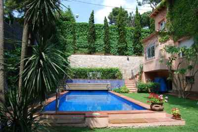 Classic house in Barcelona in the exclusive residential area of Pedralbes